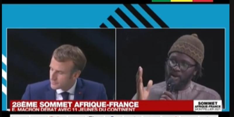 مدون سنغالي يطالب ماكرون بالإعتذار من إفريقيا بعد جرائم الاستعمار والتوقف عن دعم الدول الديكتاتورية (فيديو)